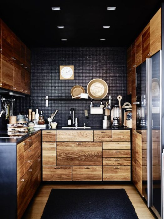 интерьер черных кухонь