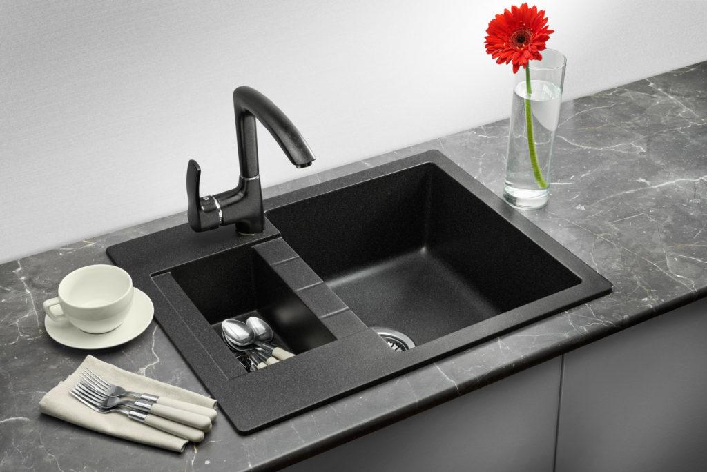 черная мойка для кухни