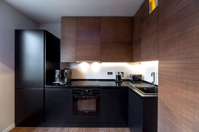 интерьер маленькой черно белой кухни22 маленькая кухня +с черной столешницей фото19 черная кухня +в интерьере фото маленькая16 маленькие черные жучки +на кухне фото16 маленькие черные букашки +на кухне16 кухни +в черно белых тонах маленькие13 дизайн маленькой кухни черно белого цвета11 кухни черно белые дизайн +для маленькой площади9 маленькие черные тараканы +на кухне8 кухни угловые +в маленькую кухню черный глянец
