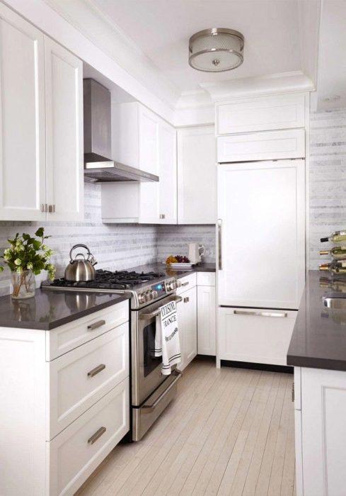 кухни современные дизайн белые маленькие