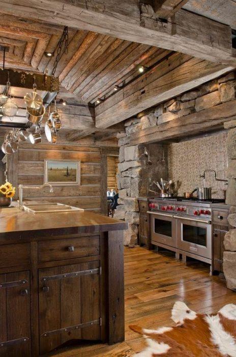 Современный дизайн кухни в частном доме