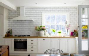 Кухонные обои под кирпич