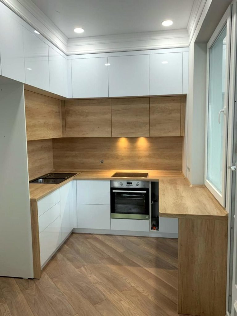 маленькие деревянные кухни
