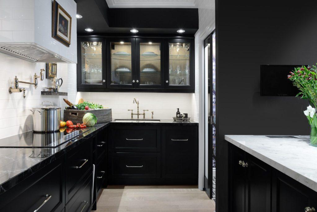 черно белые кухни сочетание