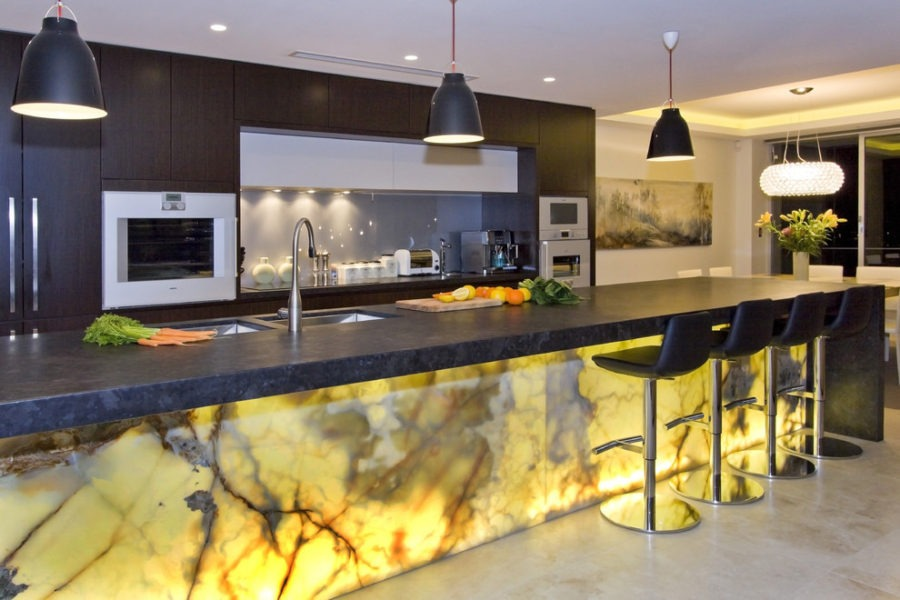 потолок кухни модерн