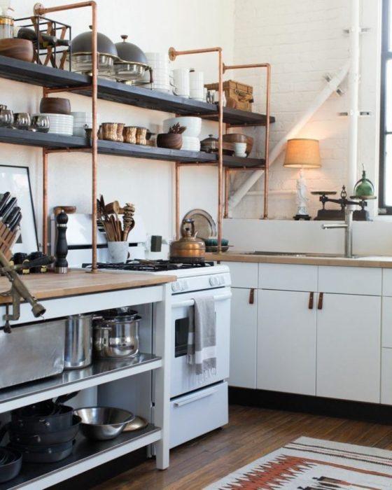 полки настенные на кухню