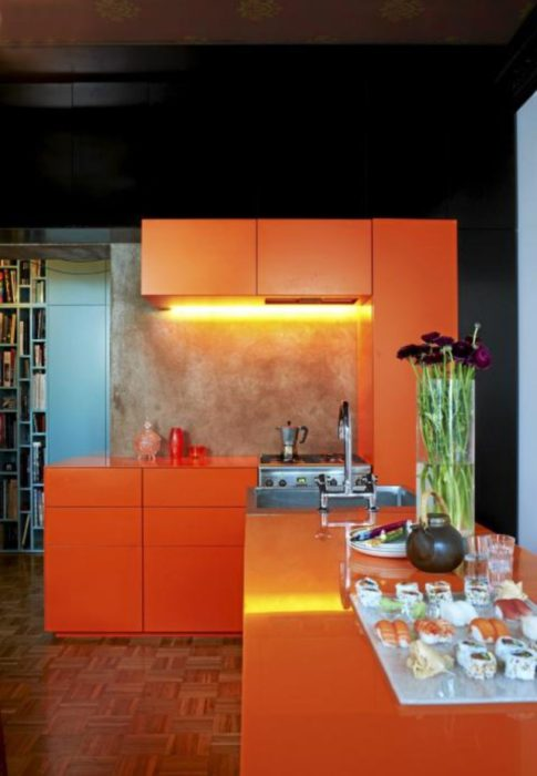 кухни в оранжевых цветах