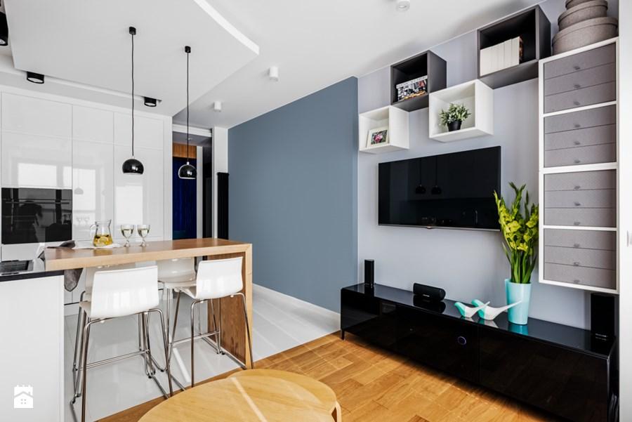 кухня с телевизором на стене дизайн фото