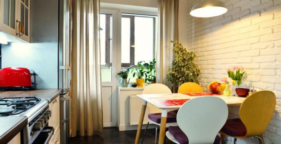 шторы в интерьере кухни фото