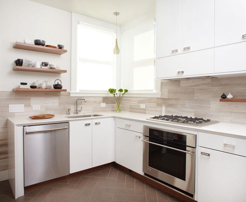 маленькая кухня в белом стиле