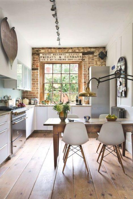 планировка маленькой кухни в частном доме
