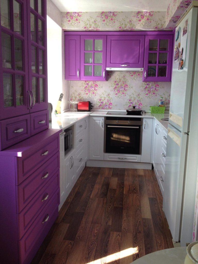 сочетание фиолетового кухни