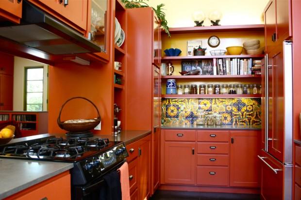 дизайн кухни в оранжевом цвете