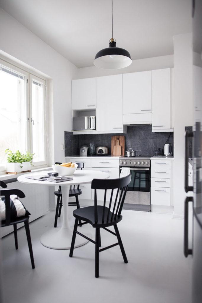 кухня мебель черно белая