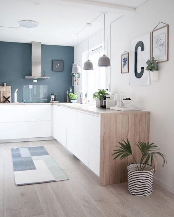 покраска стен на кухне своими руками