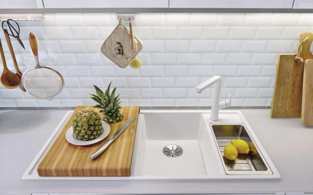кухонная мойка белая