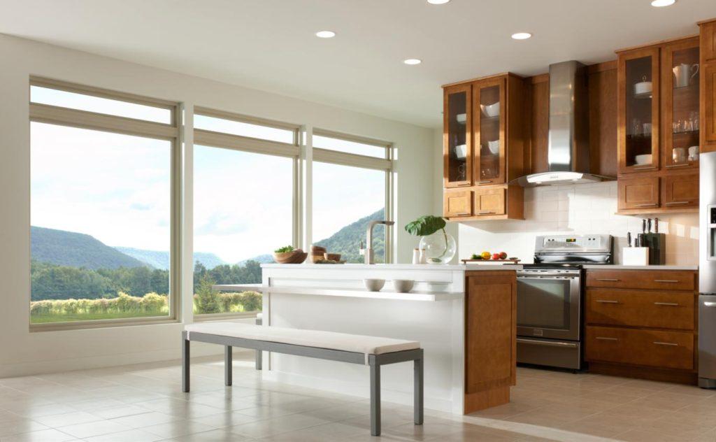 фото кухни в частном доме с окном