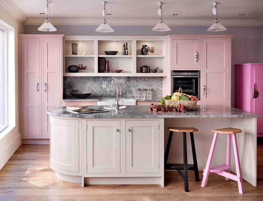 розовая кухня сочетание цвета