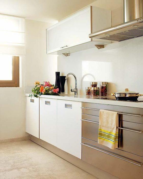 белый кухоный фартук