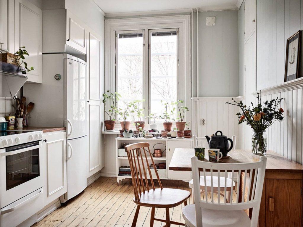 кухни в хрущевках с холодильником