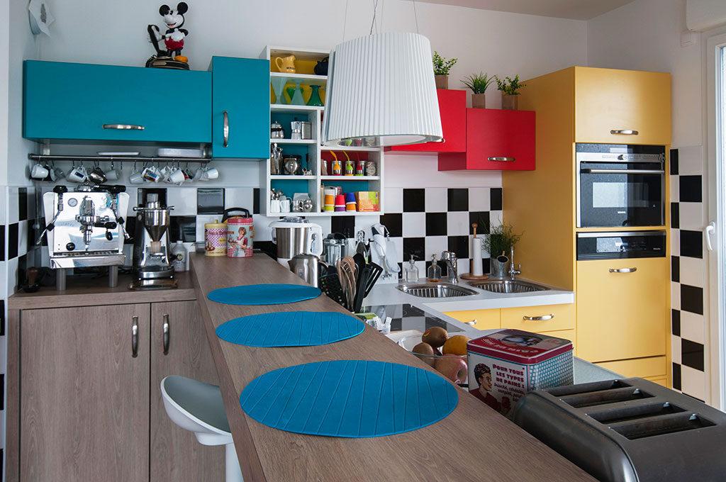 с какими цветами сочетается кухня