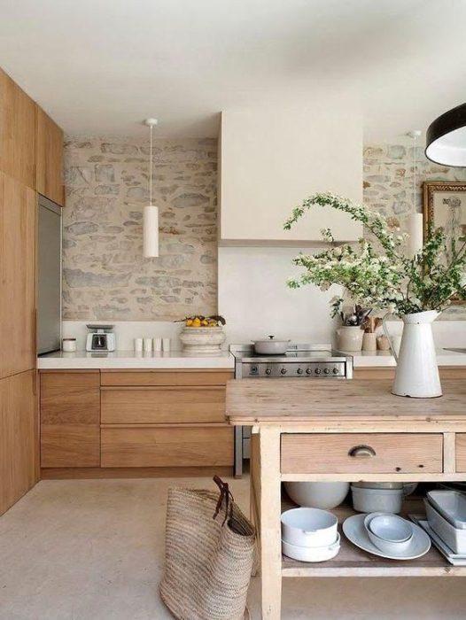 современные кухни под дерево