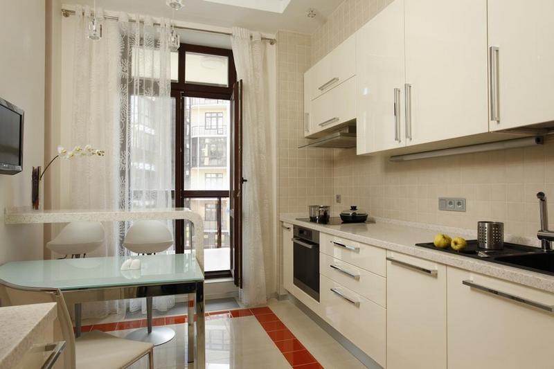 шторы на кухню маленькую современные фото