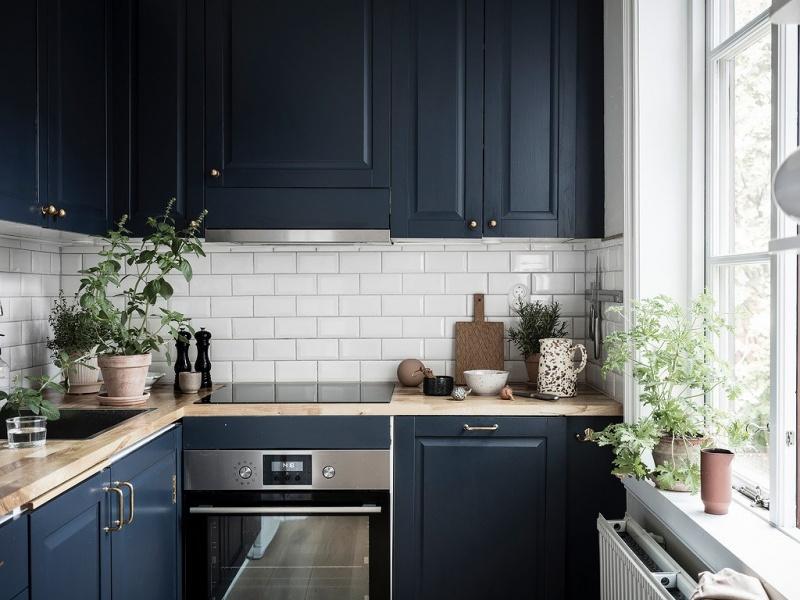 синяя кухня в интерьере фото