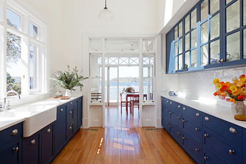 кухня темно синих цветов