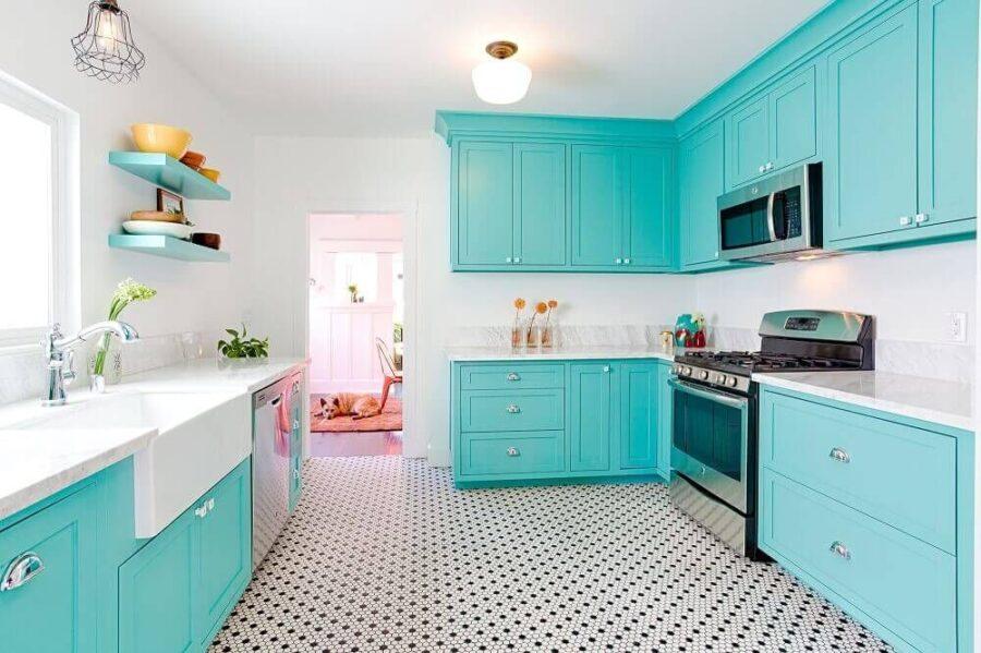 бело голубая кухня