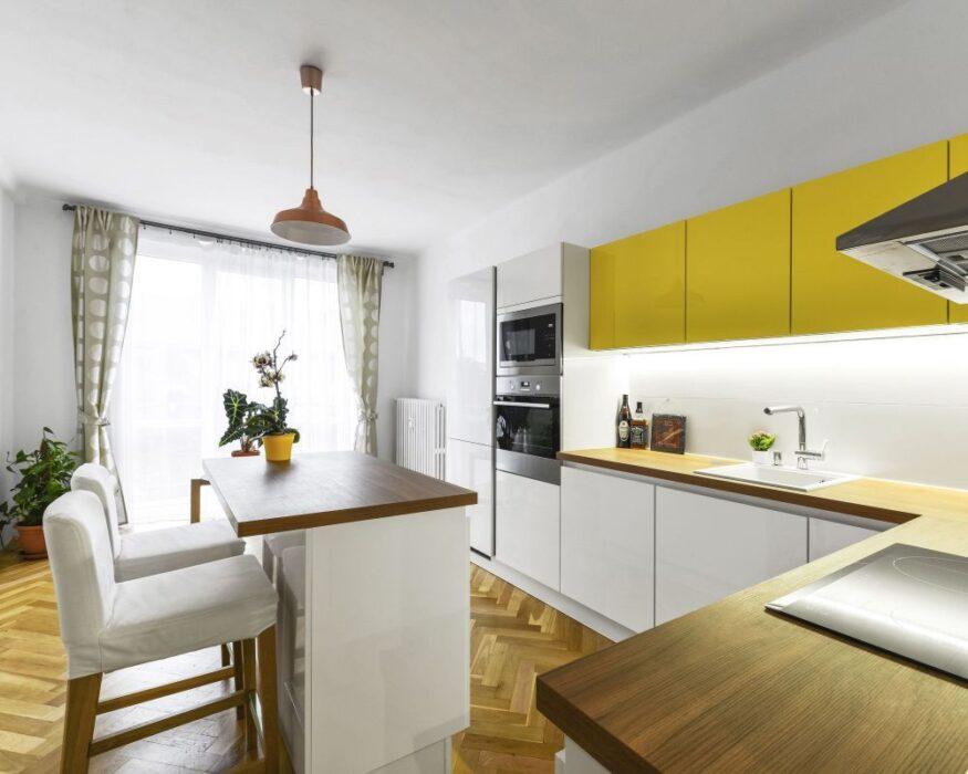 совмещенная кухня гостиная частный дом фото