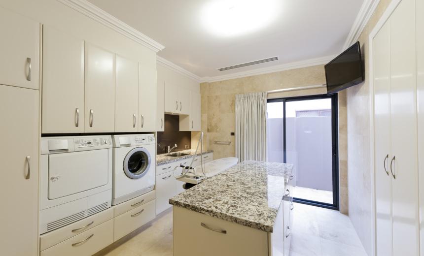 светлые кухни в частном доме