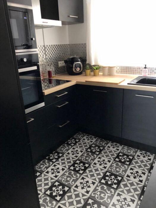 черные угловые кухни фото
