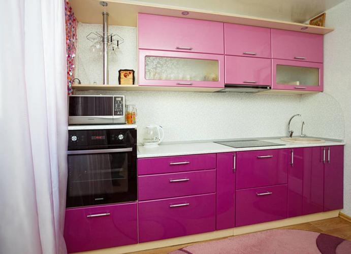 фиолетово розовая кухня