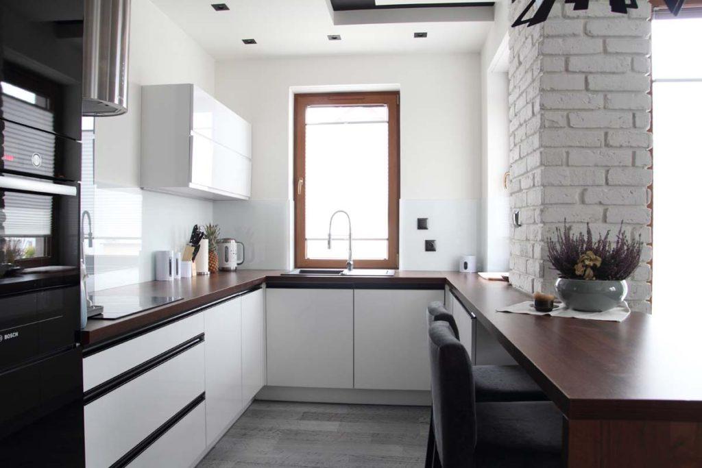 планировка очень маленькой кухни