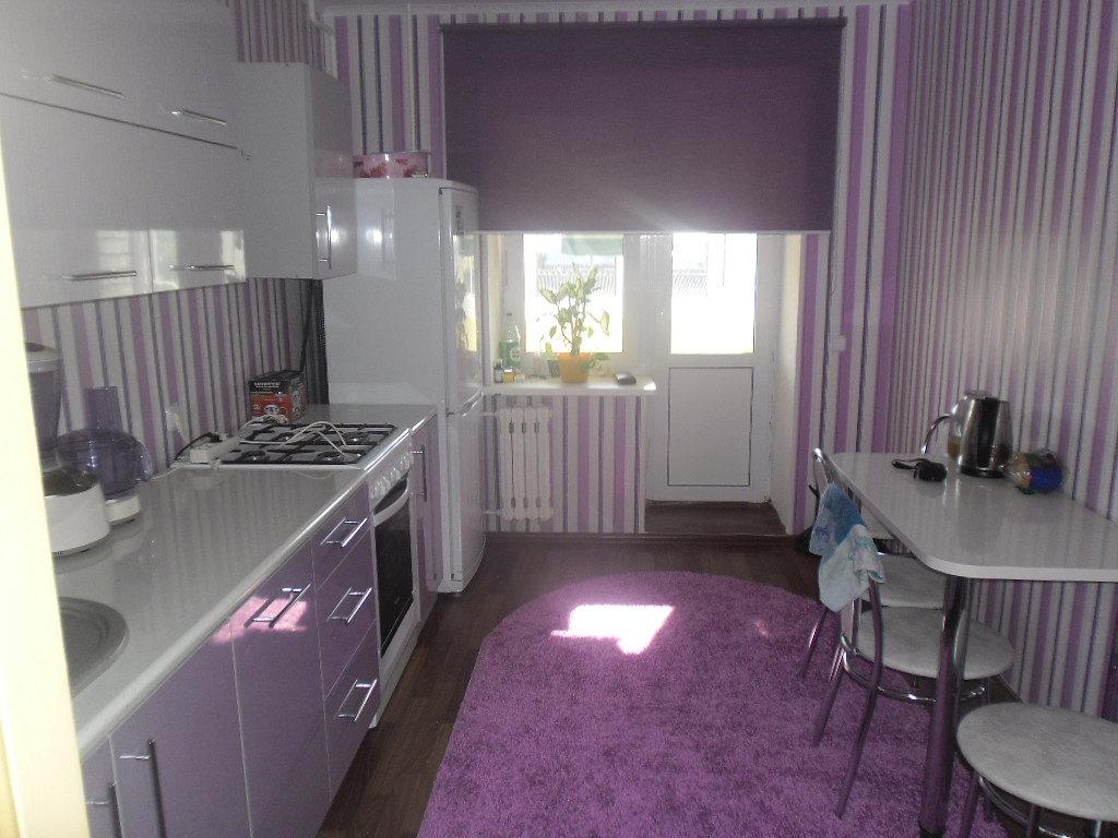 фиолетовая кухня пол серо фиолетовый интерьер кухни