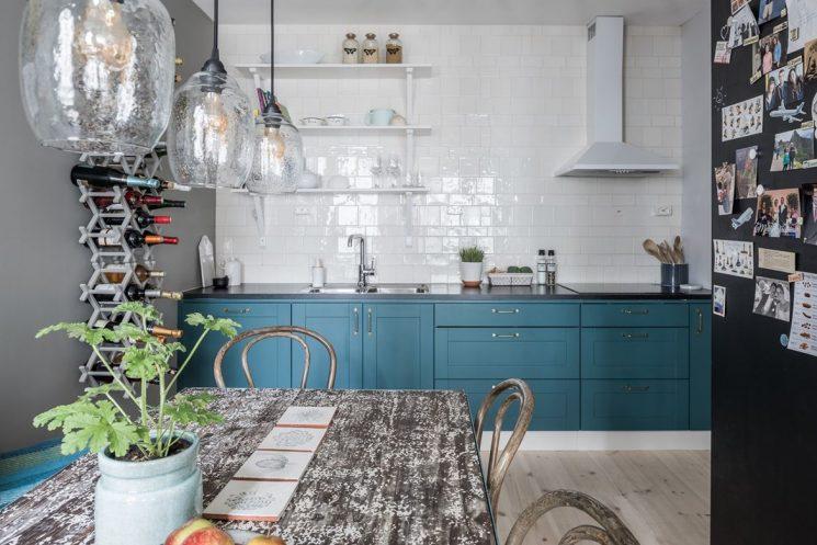 голубая кухня реальные фото