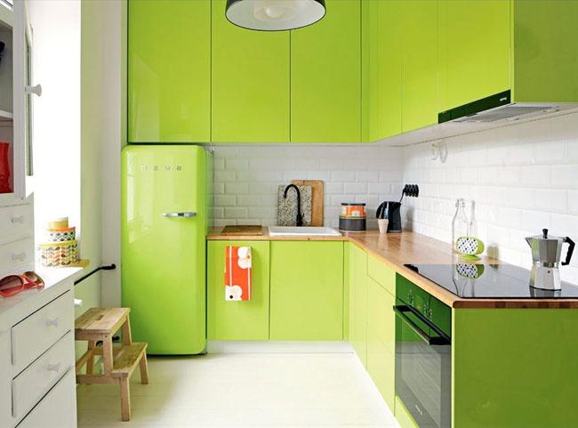 красивая зеленая кухня