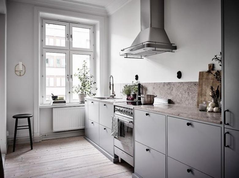 светлая серо белая кухня