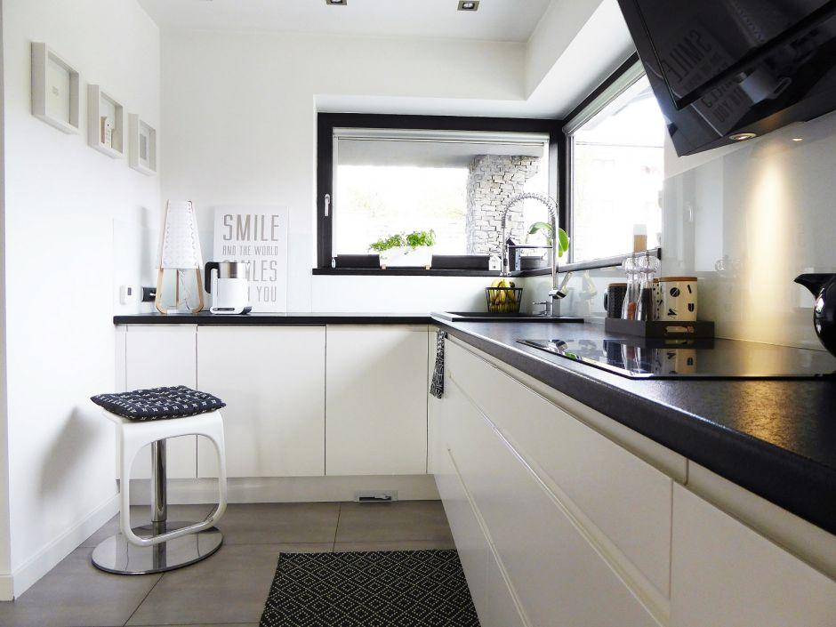 193 кухни +в бело черных тонах фото192 кухня +в черно белых тонах фото192 интерьер кухни черно белого цвета192 купить кухню черно белого цвета186 кухня белая +с черной столешницей +в интерьере185 черно бело зеленая кухня183 фото черной кухни верх белый175 черно белая кухня какой фартук174 кухни прямые черно белые165 кухни черный низ белый верх фото164 кухня белые фасады черная столешница164 белая кухня +с черными акцентами162 белая кухня +с черным холодильником162 кухня +в черно белом стиле фото162 черно белая кухня скиналью160 дизайн кухни +в черно белом стиле159 кухни +в квартиру черно белые157 серо белая кухня +с черной столешницей156 дизайн черно белой кухни м155 обои под черно белую кухню154 черно белые классические кухни150 кухни +на заказ черно белые150 варианты черно белой кухни147 черно белый гарнитур +в кухне146 фартук +для черно белой кухни фото144 дизайн кухни +в черно белых тонах143 дизайн кухни +в бело черных тонах143 белая кухня +и черный стол143 черно белый потолок +на кухне141 кухни черно белые глянец фото140 дизайн маленькой черно белой кухни139 красивые черно белые кухни137 кухня бело черная глянцевая фото135 бело черная кухня +с яркими134 маленькая черно белая кухня фото131 кухня черно белая дизайн угловые131 черно белая кухня какие шторы подойдут130 черно белая плитка +на кухне фото130 кухни черно белые классика129 черная вытяжка +на белой кухне128 бело черные кухни фото реальные128 ремонт кухни черно белый124 шторы +на черно белую кухню фото124 белая кухня черная мозаика122 белые кухни +с черной столешницей фото дизайн