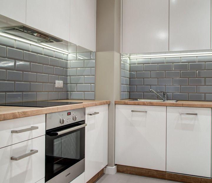 бело серая кухня маленькая