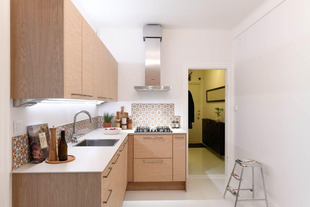 интерьер кухни без окна