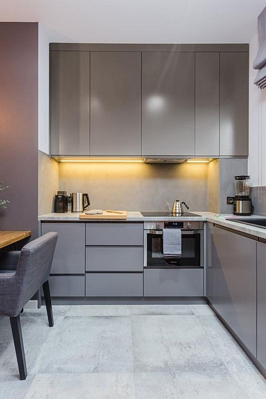 серо белый гарнитур кухня