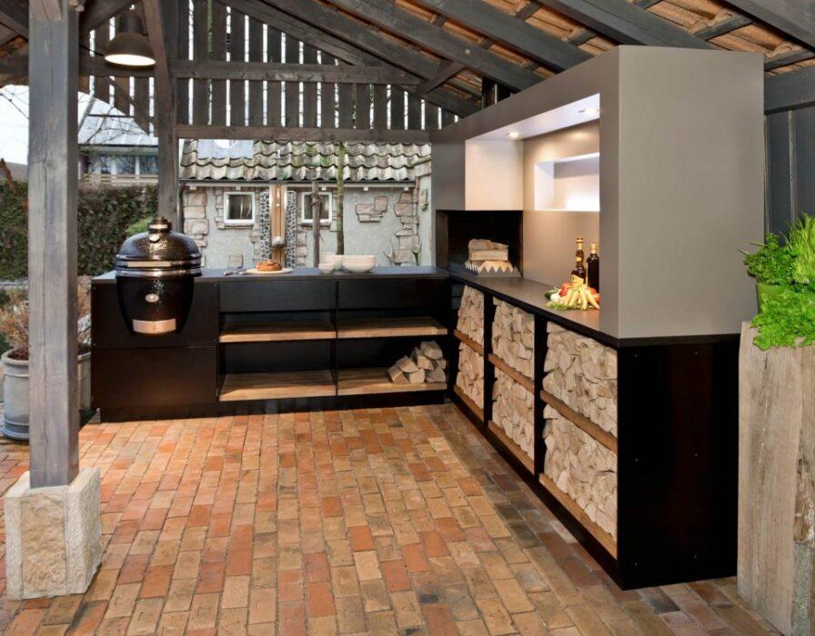 летняя кухня под крышей