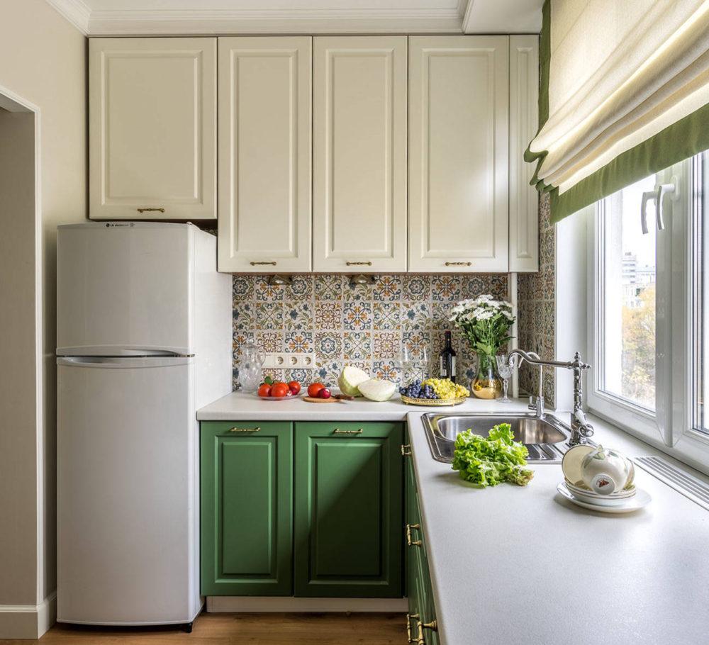 kitchen design with refrigerator