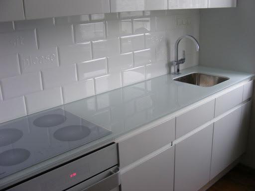 стол кухонный столешница искусственный камень