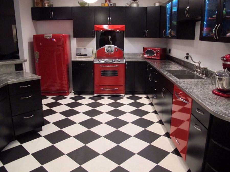 пол кухни в квартире