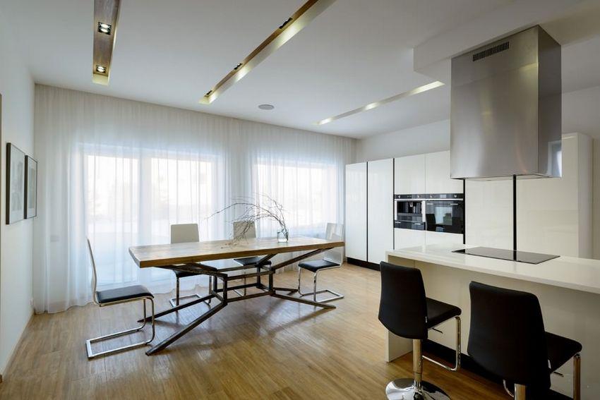 кухни 20 кв с двумя окнами