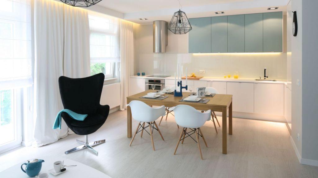 цвет кухонных стульев