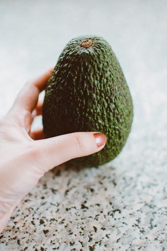как посадить косточку авокадо пошагово